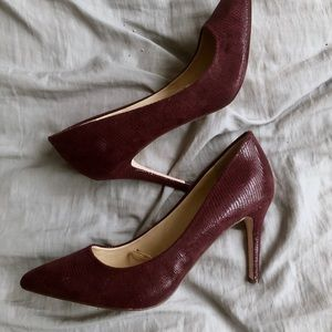 Jessica Simpson Heels. Color is maroon